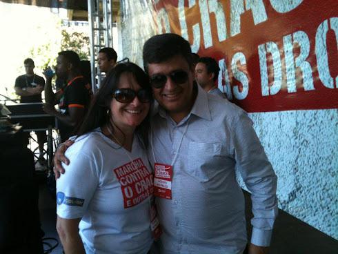 Marta Lança e  o Jornalista Carlos Viana na Marcha Contra o Crack e Outras Drogas