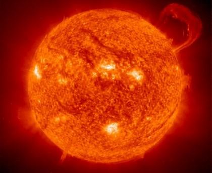 badai matahari - mass coronal ejection - kiamat