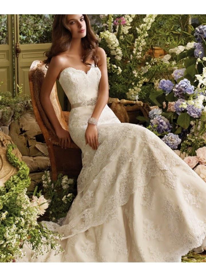 Vestido de Novia con Apliques en Alto Relieve, Cinturon y Falda en Capas