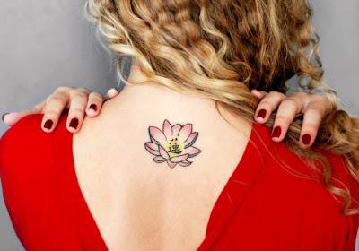 Tattoo Lotus em tamanho pequeno