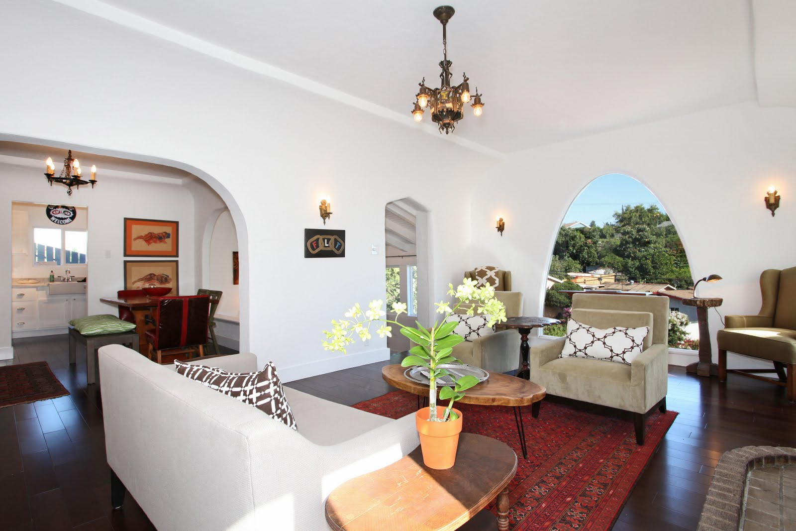 See this house spanish style charmer nbaynadamas for Small room in spanish