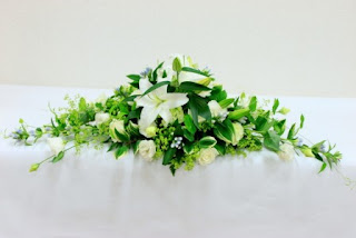 Fresh white green flowers decorations for wedding tables uk fresh white green flowers decorations for wedding tables uk junglespirit Gallery