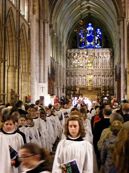 Girl Choristers at Southwark Cathedral