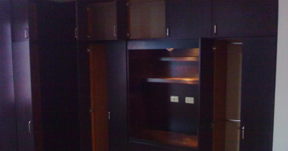 Closets y cocinas integrales residencial closet en escuadra for Cocinas integrales en escuadra