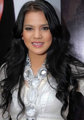Alice Norin Indonesian Pretty Actrees and Model