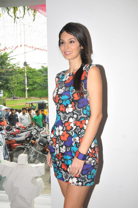 bruna abdullah latest photos