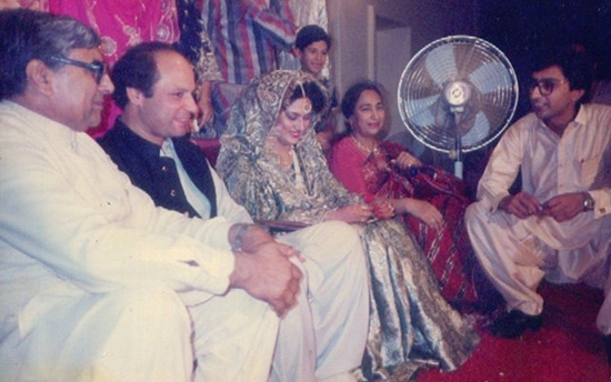 Nawaz Sharif with his wife Kalsoom Nawaz on his wedding