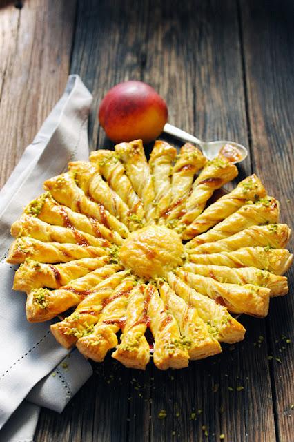 Un, deux, trois, soleil ! Les tartes soleil sont de retour ! Tarte soleil pêche pistache...
