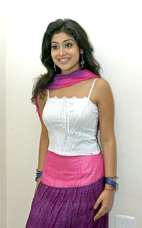 Latest Shreya Hot Stills