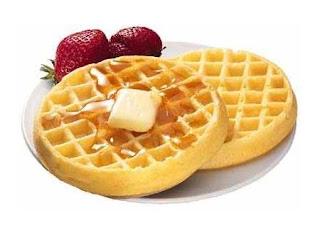 Waffles americanos com molho syrup