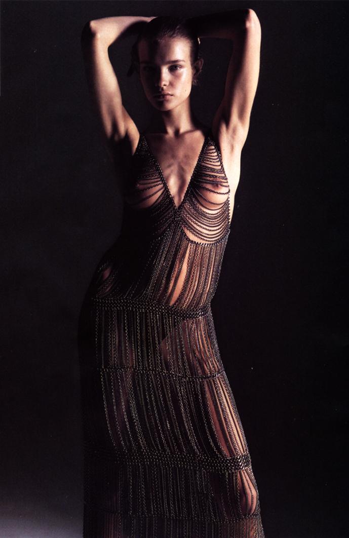 Natalia Vodianova in Vogue Paris August 2002 (photography: Mario Sorrenti, styling: Anastasia Barbieri)