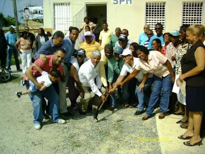 Ayuntamiento da primer picazo para la construccion de la Union de Juntas de Vecinos