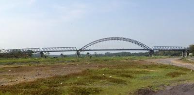 jembatan jls pantai watu pecak lumajang