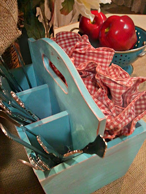 twelveOeight: Summer Flatware Caddy