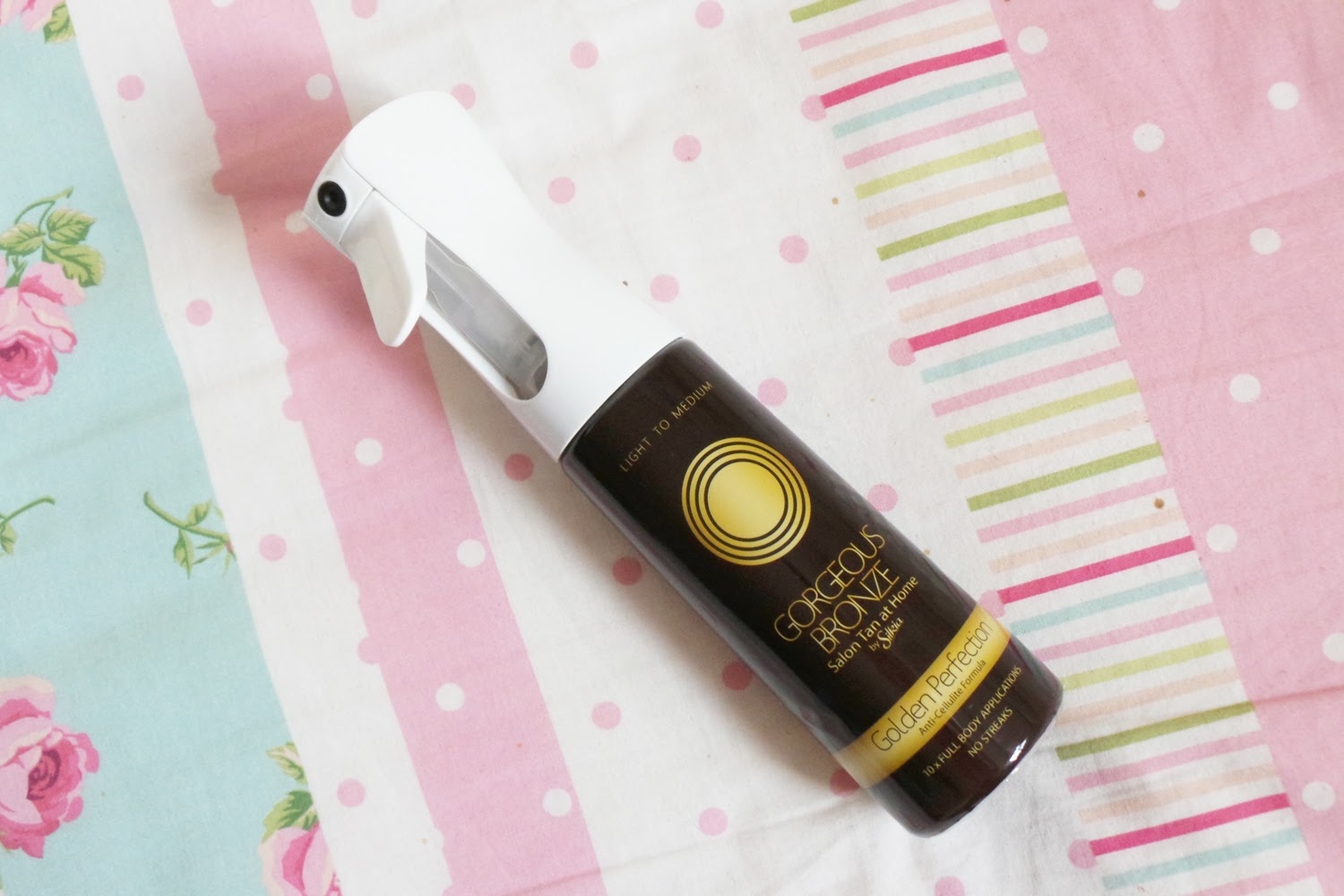 Gorgeous Bronze Salon Tan At Home  Review, Gorgeous Bronze Salon Tan At Home Image, Gorgeous Bronze Salon Tan At Home Light to medium review, Gorgeous Bronze Salon Tan At Home blog review, beauty blog, beauty blogger, uk beauty blogger, tan review, spray tan review,