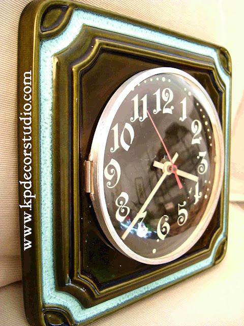 KP. Vintage. Comprar relojes Pontina. Cerámicos y antiguos. Relojes de pared
