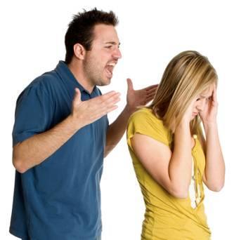 كيف تتعاملين مع الرجل والزوج القاسى - marriage-fighting-husband-angry