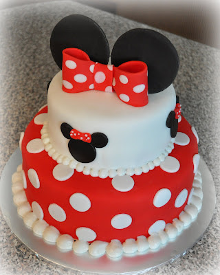 just being Judy: 2 Tier Minnie Cake