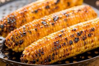 الذرة من بين اكلات مفيدة في الصيف