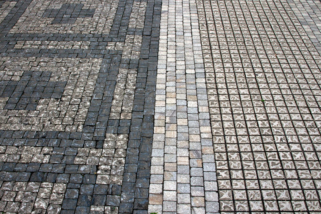 lines in sidewalk of Prague