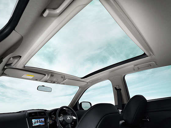 Sunroof+outlander.jpg