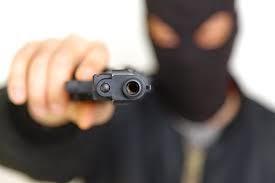 Sobral-Ce: dois bandidos roubam R$ 10 mil da loja