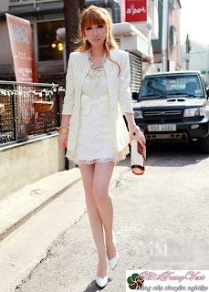 Tự tin năng động với Vest Nữ màu trắng
