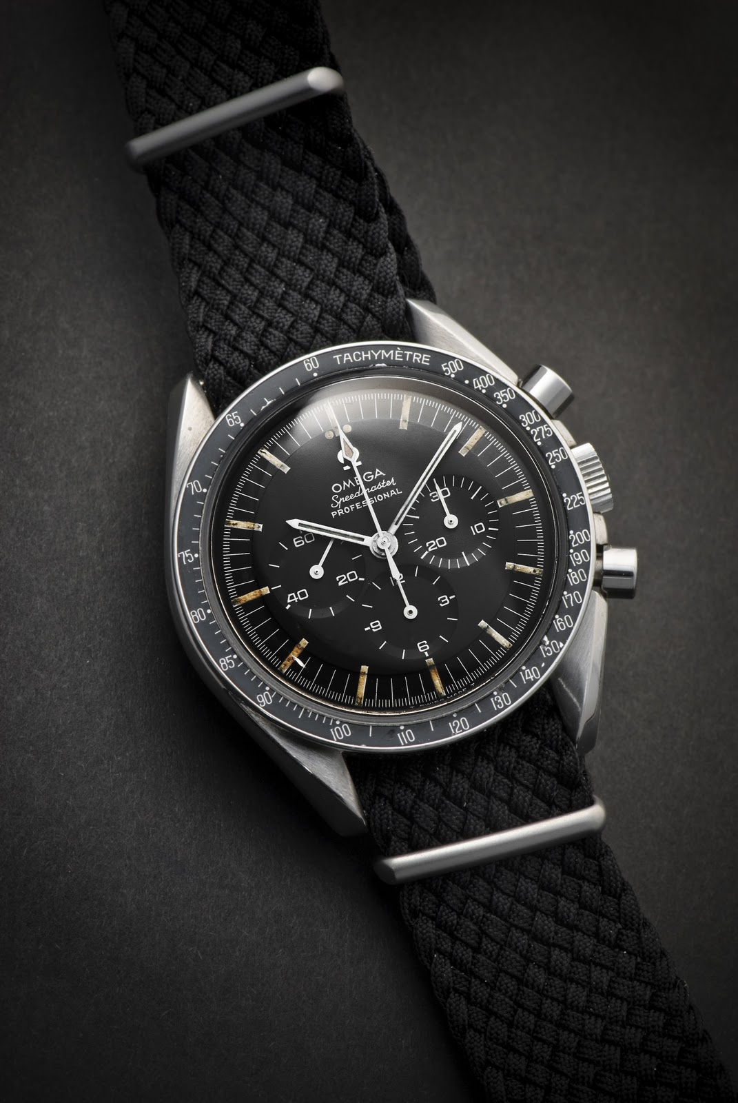 Vintage wrist watches omega speedmaster history and technology grey fox for Omega watch speedmaster