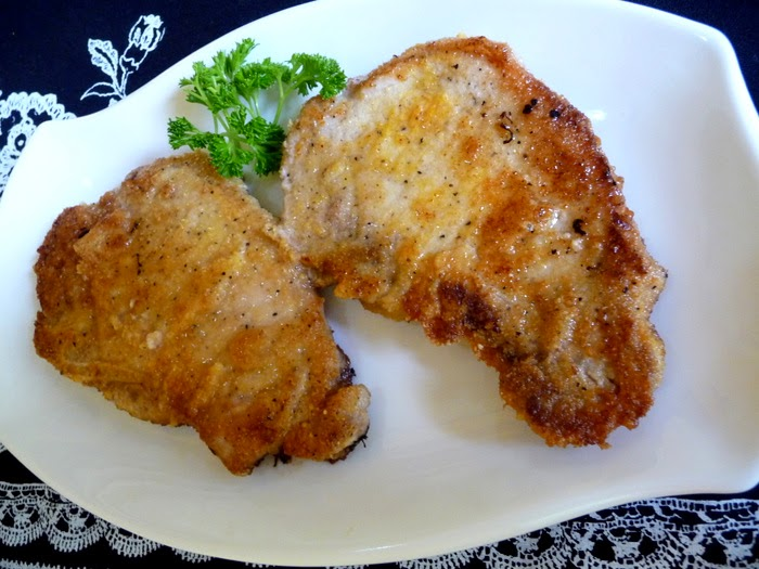SPLENDID LOW-CARBING BY JENNIFER ELOFF: BREADED FRIED PORK CHOPS