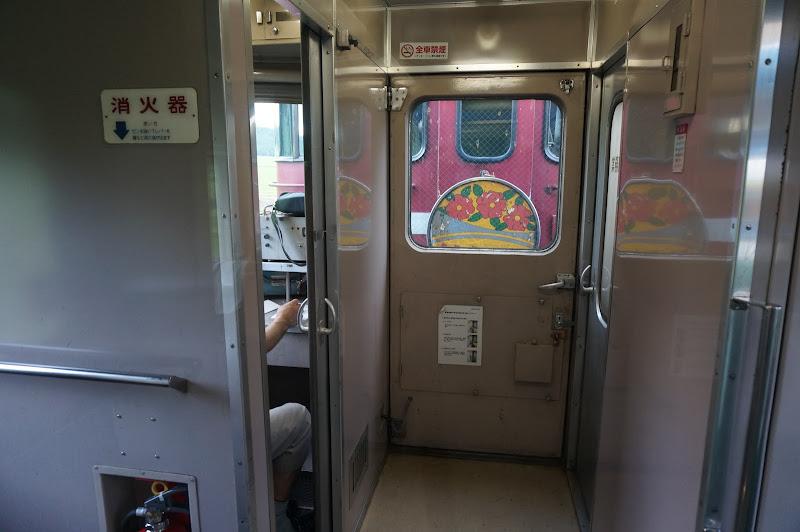 客車から見えるED79形