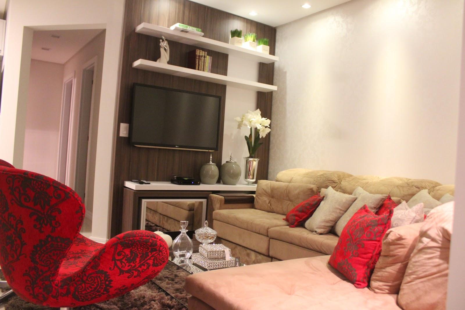 Sala de tv com sofa bege id ias for Sofa para sala de tv