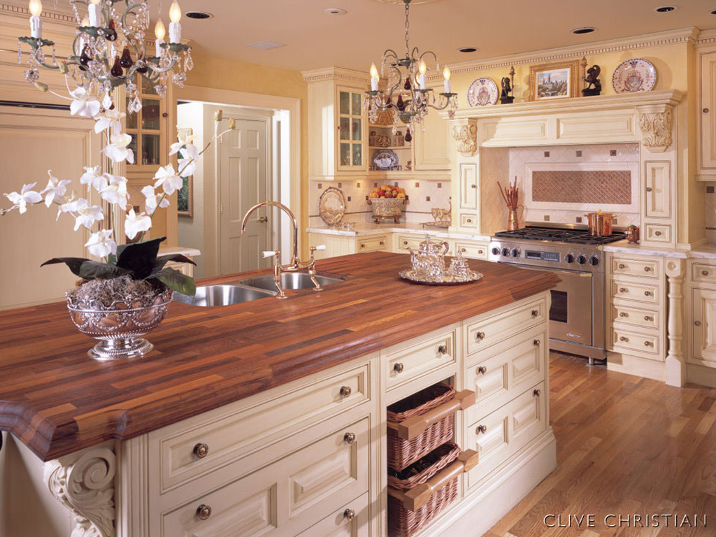 Ourwoodlandscabin bits and pieces the renovation for Clive christian kitchen designs