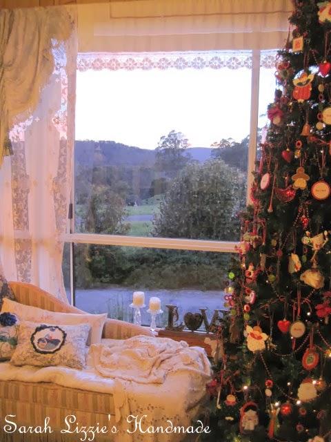 Sarah Lizzies: Oh Christmas Tree, Oh Christmas Tree......
