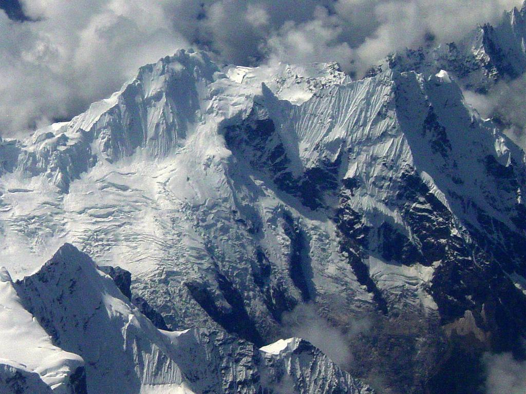 http://1.bp.blogspot.com/-4mmIM4MQMUM/TqLECWbx8FI/AAAAAAAACgU/6EJs7DbfmUY/s1600/himalayas_beautiful_mountains_04.jpg