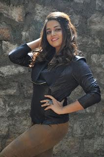 Actress Wamiqa latest glam pics 019.jpg
