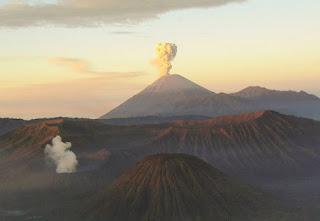 Gunung Semeru di Jawa Timur