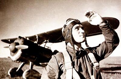 Летчик одной из штурмовых эскадрилий И 152