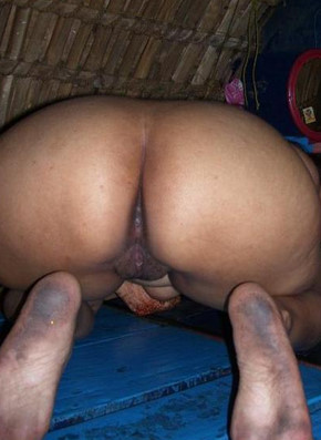 delhi aunty showing her ass and bussy