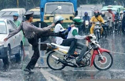Polisi marah