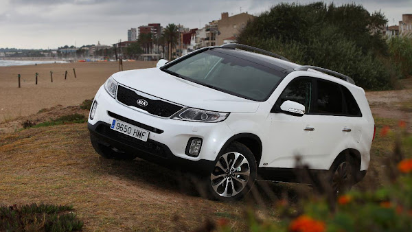 The New Kia Sorento SUV front