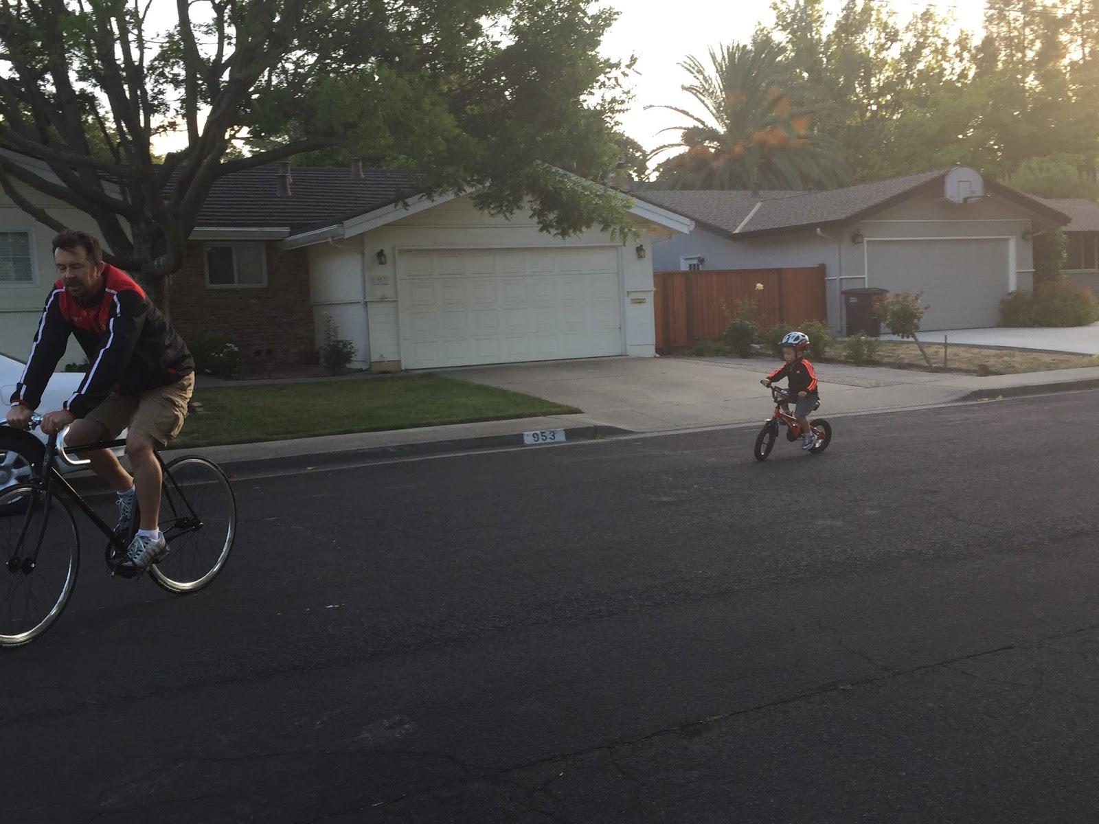 自転車の 自転車 補助輪 : 補助輪なし自転車で