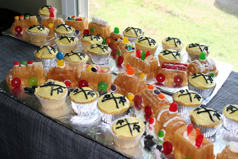 Train Birthday Party Train Cakes and Cupcakes