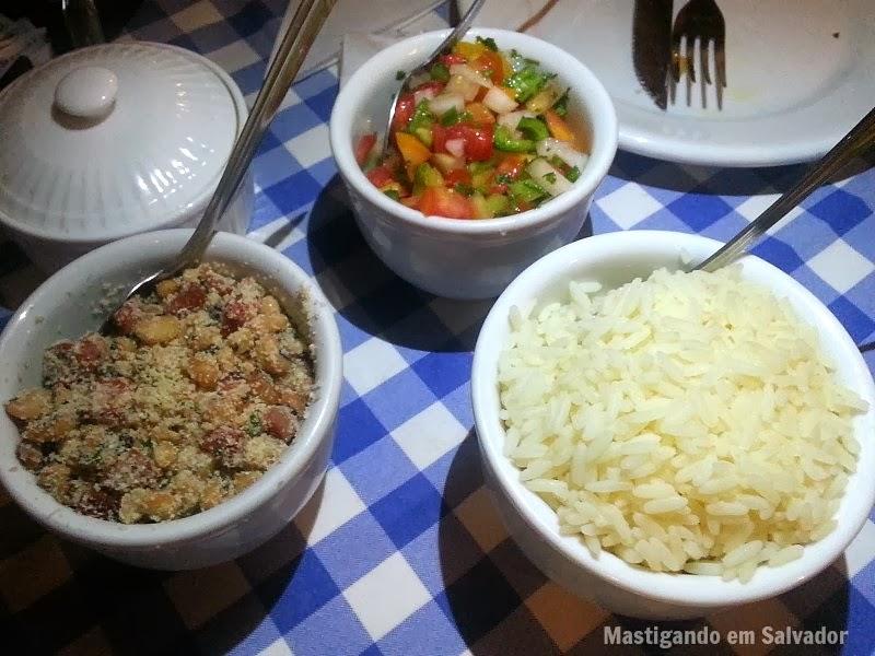 Mar Adentro Restaurante: Acompanhamentos do Surubim na Brasa