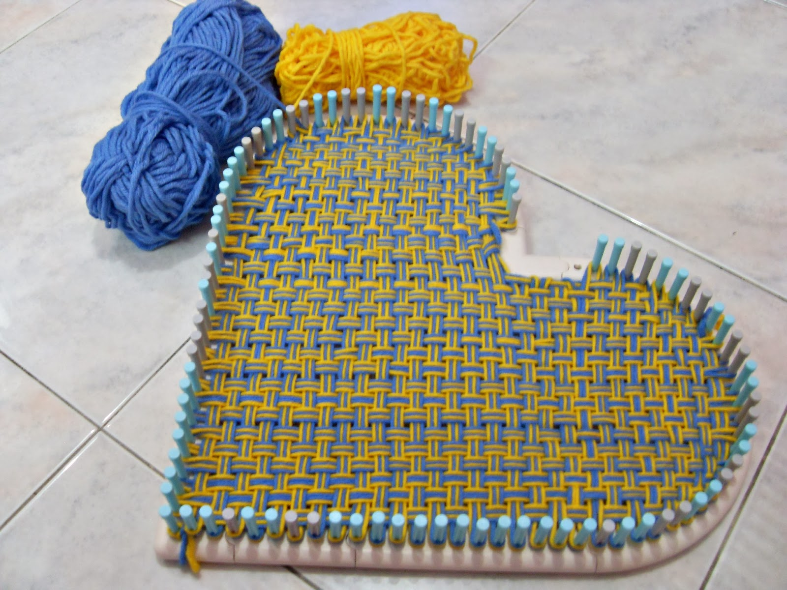 Crochet Loom : Weaving a heart using Martha Stewart Loom