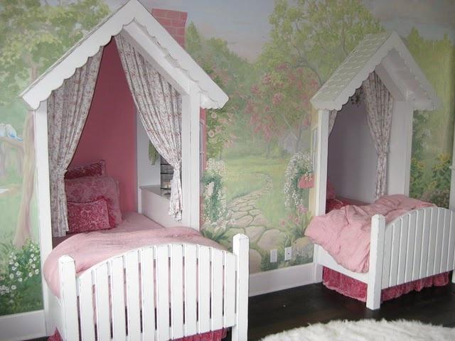 Houtkachel Slaapkamer : Mooi bed, al vind ik de hemel erboven wat te ...