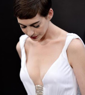 Anne Hathaway fashion