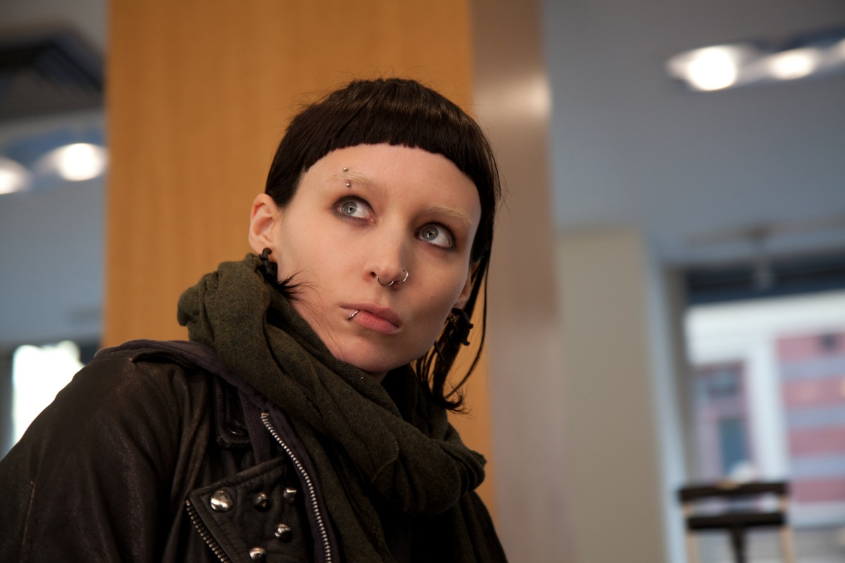 http://1.bp.blogspot.com/-4ogaZpY_2AU/TuV8teTHM5I/AAAAAAAACVc/k-nDDqpSV4c/s1600/Rooney-Mara-as-Lisbeth-Salander-in-Girl-With-The-Dragon-Tattoo.jpg