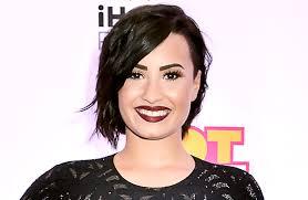 Demi Lovato lança clipe de Confident