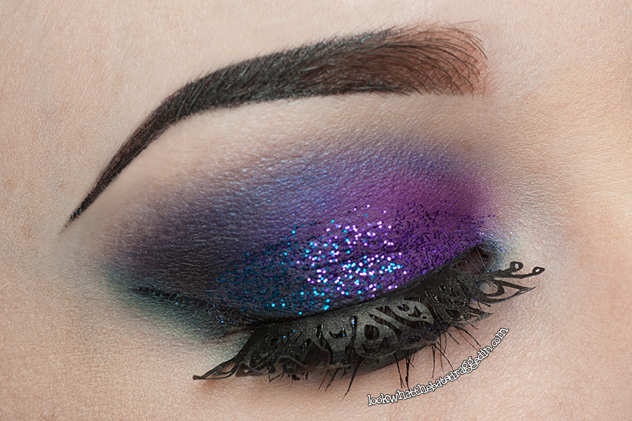 KKCenterHK.com false lash review, using Urban Decay, Sugarpill Eyeshadows and LA Splash glitter. ES The Bright Peacock Paper Eyelashes [ES-PAPER-3]