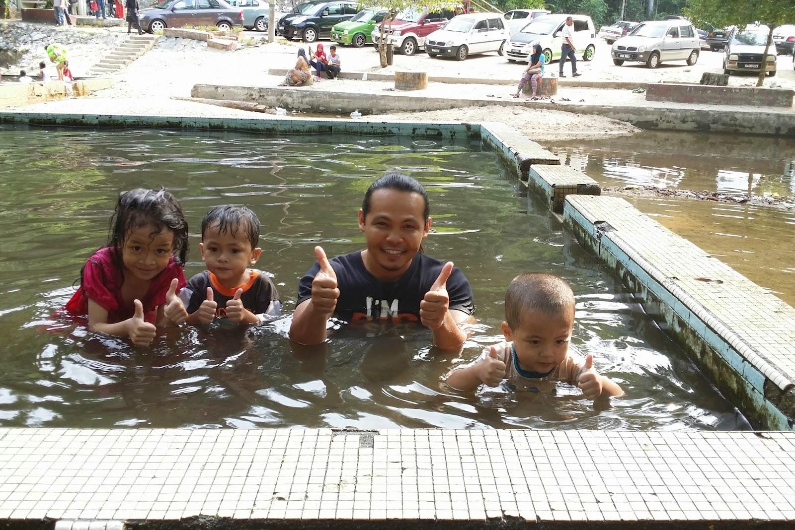 jeram pasu, jeram pasu di pasir puteh, mandi di jeram pasu, mandi jeram, tempat menarik di kelantan, tempat menarik di Malaysia, la hot spring,